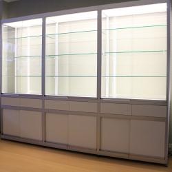 Maatwerk vitrine met LED 230 x 300 x 45